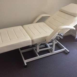 Hydraulic Beauty Bed