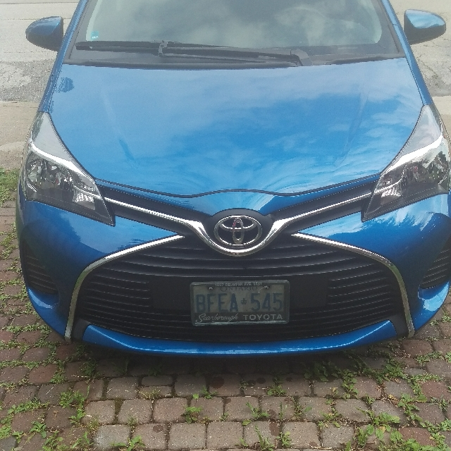2015 Toyota yaris LE only 16,000 KM