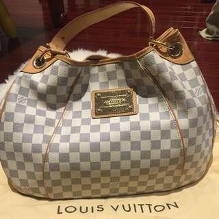 Louis Vuitton Galliera PM