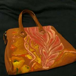 Authentic Hermes Handbag Made Of Canvass Leather Handle. Ipad Will Fit In The Bag