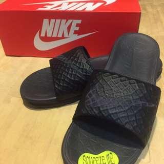 Nike全新拖鞋