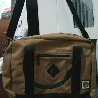 Sling Bag / Tas Laptop Rip Curl