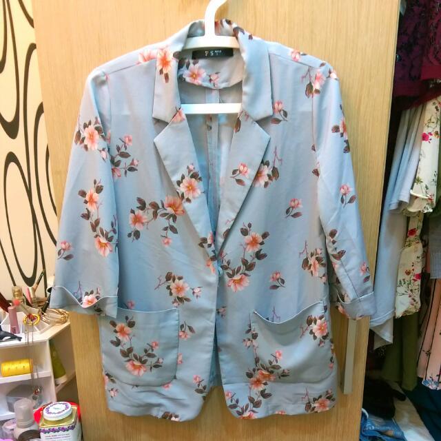 【全新】緞面復古花薄西裝外套 罩衫  Sweesa
