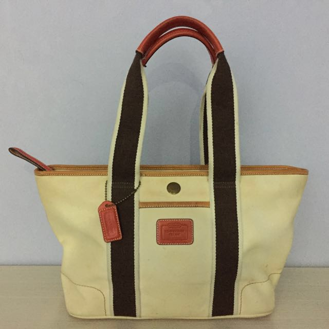 2a3c2434feca8 ... sweden coach hampton tote 100 authentic b04m 4498 luxury bags wallets  on carousell 199dd 093fd