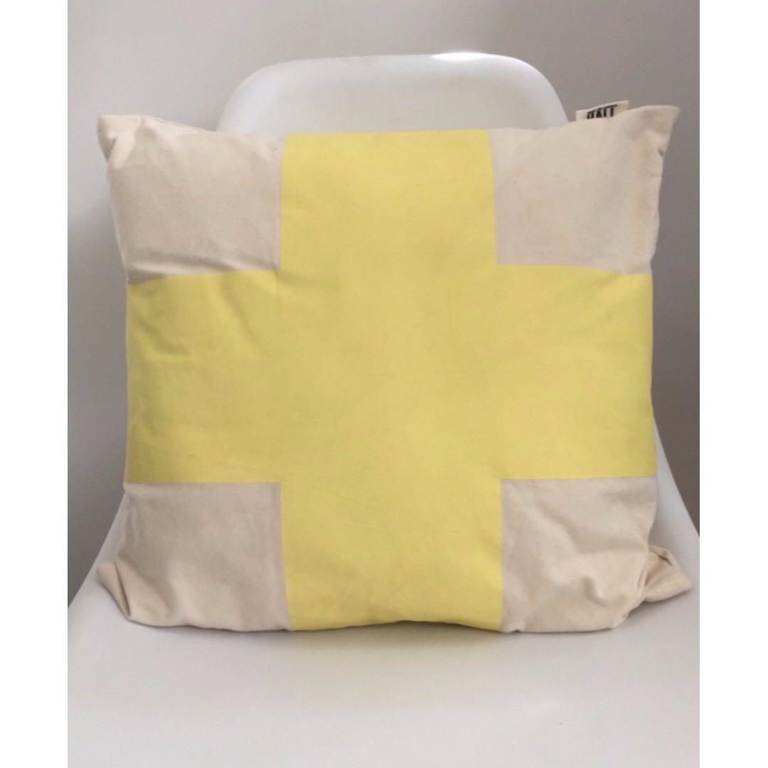 Cross Cushion