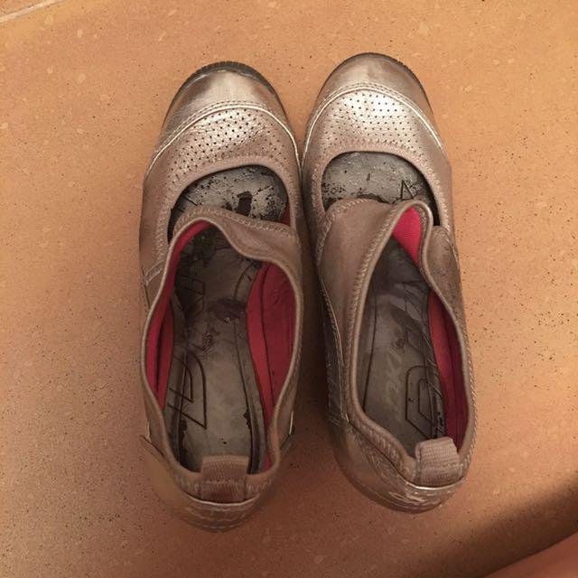Original DKNY grey Closed Platform sandals