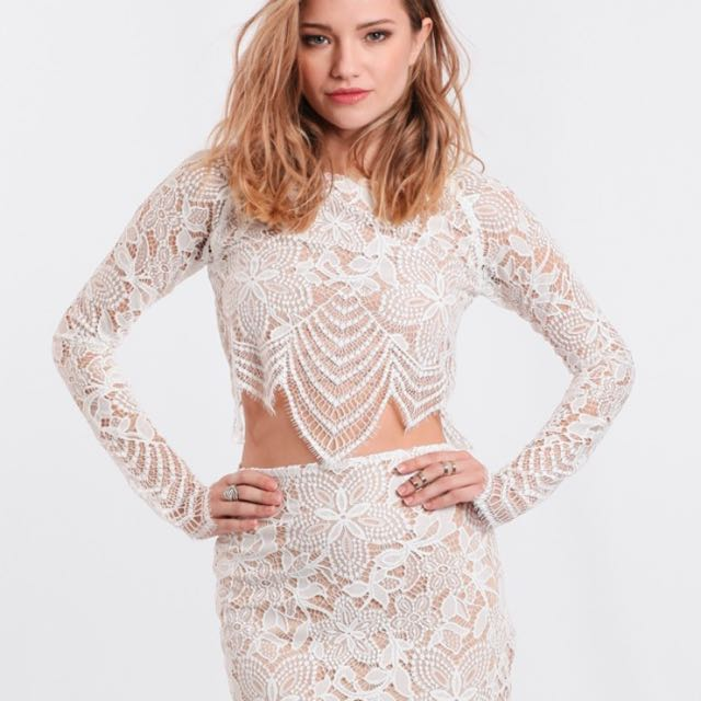 960fd4c30a2 For love and lemons guava white lace top and skirt, Women's Fashion,  Clothes, Dresses & Skirts on Carousell