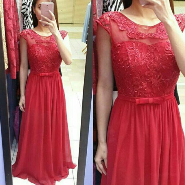 Gaun Pesta Merah Maroon Women S Fashion Women S Clothes On Carousell