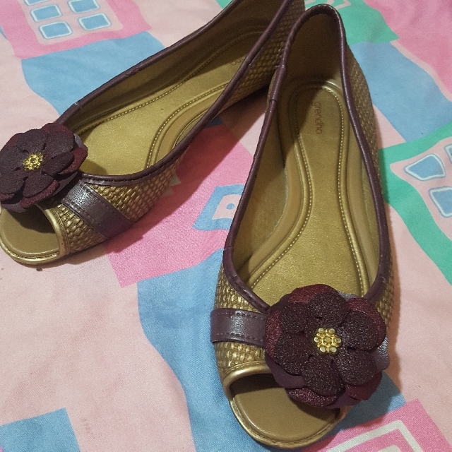 Grendha Open Toe Shoe with flower