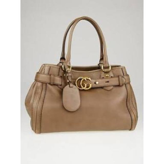 GUCCI taupe smooth leather GG running medium tote bag