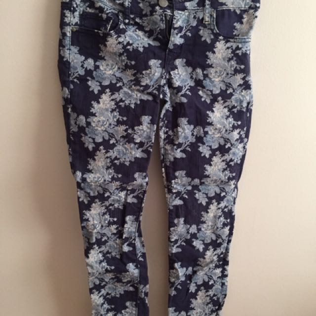 Guess And Gap Skinny Jeans