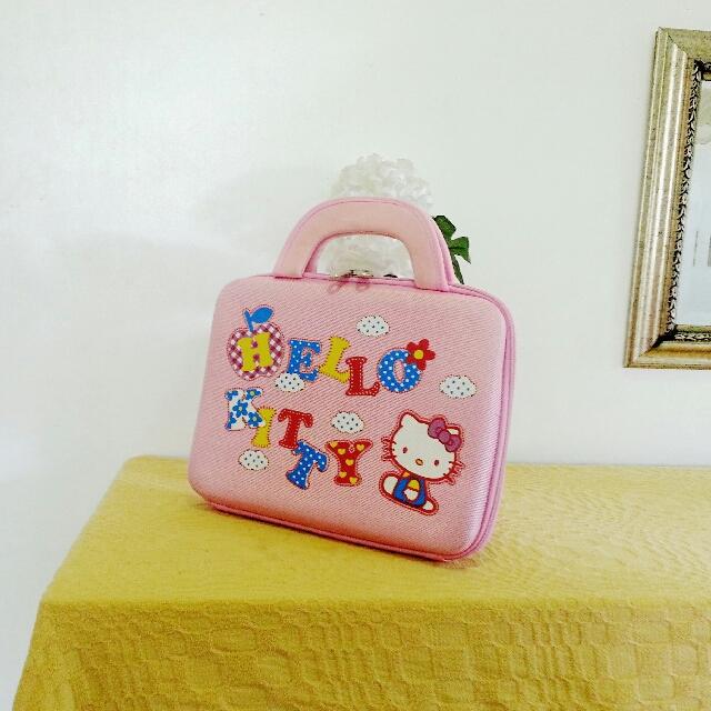 c7a5a388b Vintage Hello Kitty Hard Case Mini Laptop Bag, Mobile Phones ...