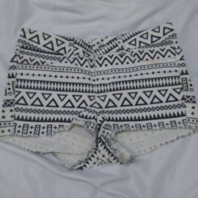 H&M high waist Short size 34