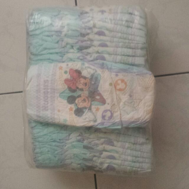 Huggies Diaper Little Mover Size 4