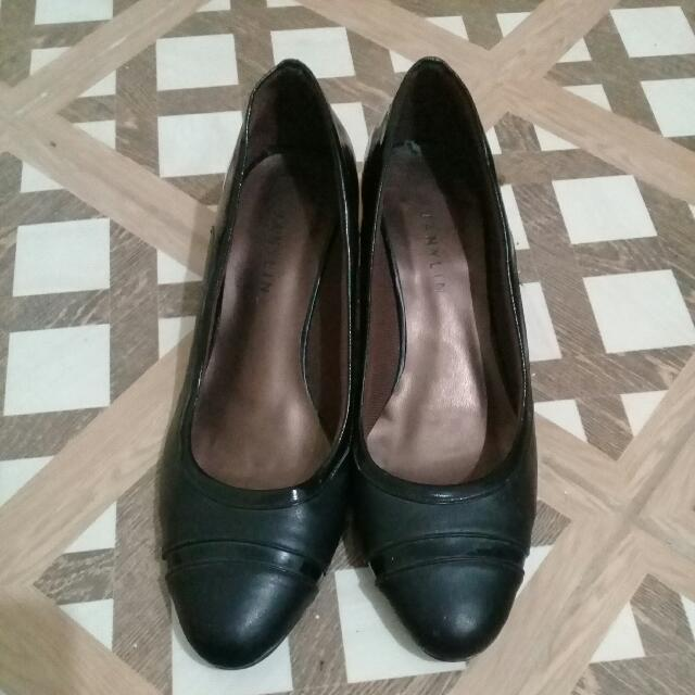 Janylin Office Shoes Size 6.5 Or 6 1/2