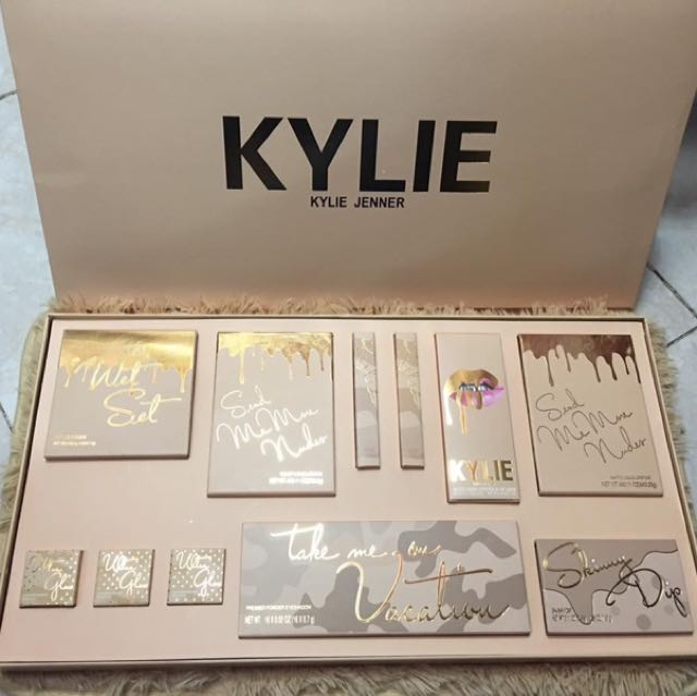 Kylie Vacation Set