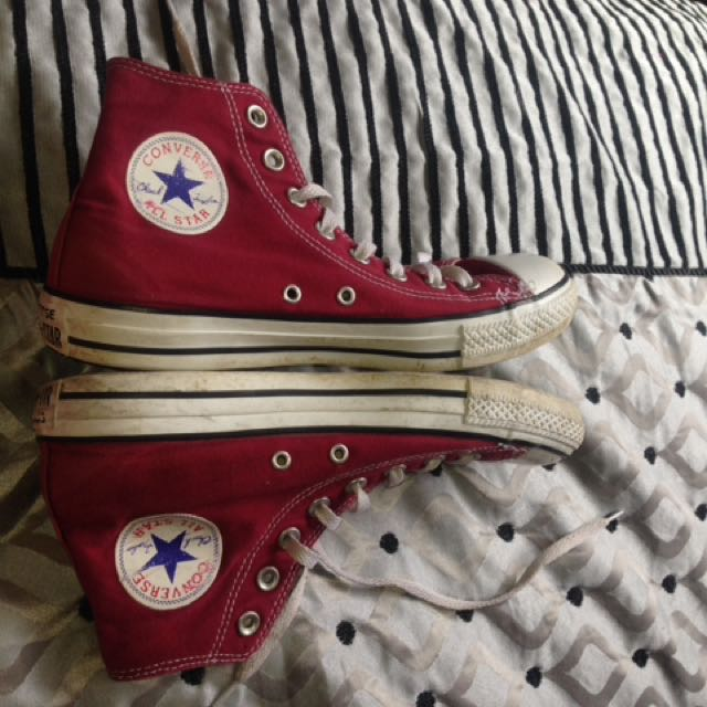 Maroon Size 7 Converse