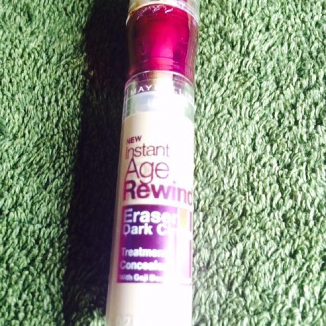 Maybelline age rewind under eye concealer