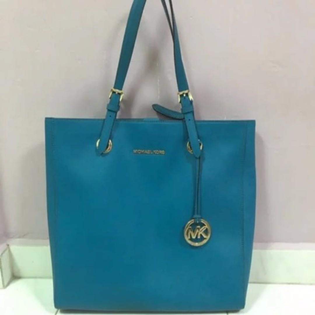 c36817da44b1 MICHAEL KORS SAFFIANO LARGE TOTE HAND BAG TURQUOISE, Women's Fashion ...
