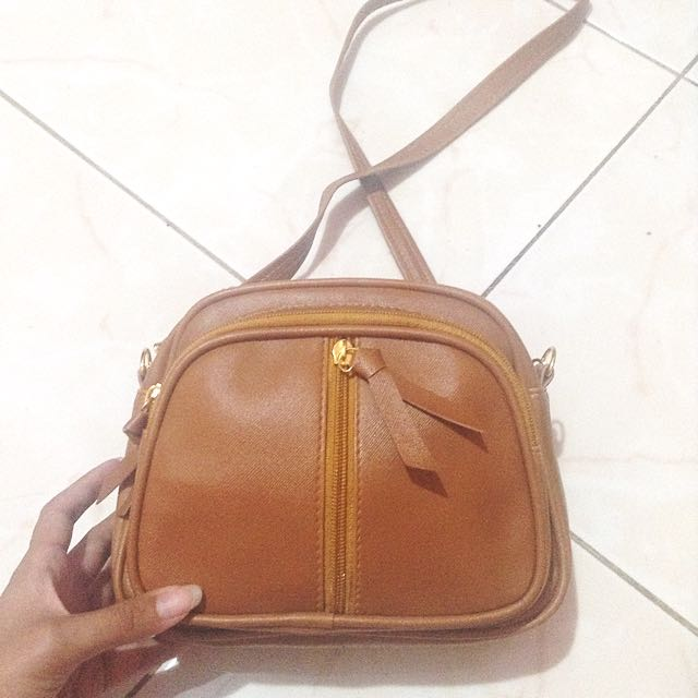 NEW Goldie Sling Bag