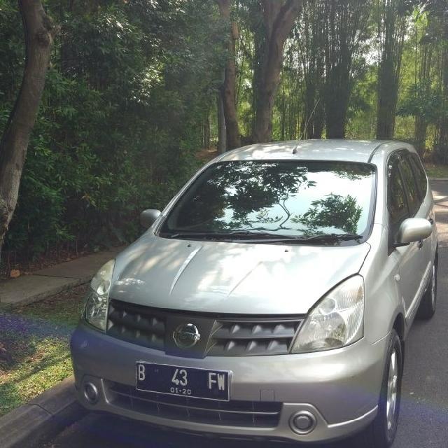 Nissan Grand Livina XV 1.5 AT 2010 Mulus Terawat matic service resmi