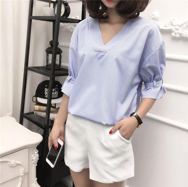 Pinstripe blue blouse 3/4 sleeve
