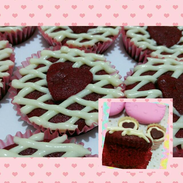 RED VELVET Cupcakes with Creamcheese
