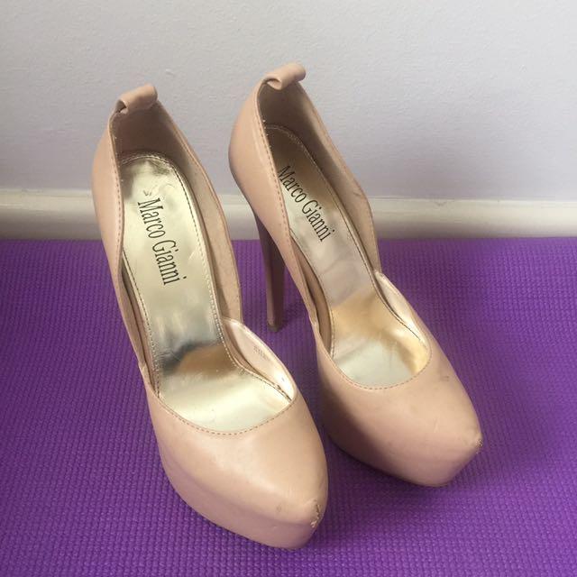 Size 38 (7) Marco Gianni heels
