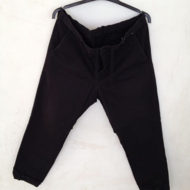 Uniqlo black joger pants
