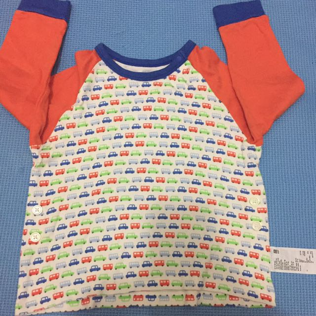 Uniqlo top for babies