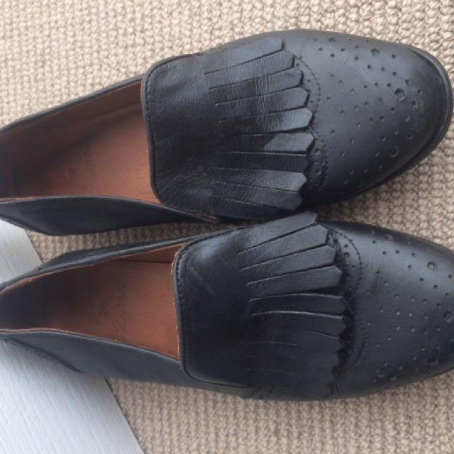 Zara Black leather Shoe Loafer