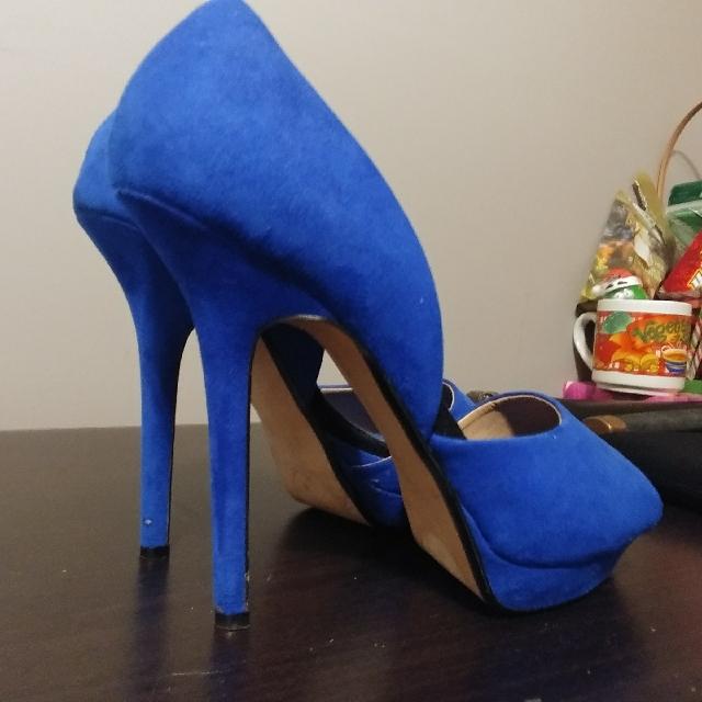 Zara size 38 Blue Seude Heels