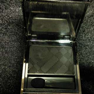 Burberry Sheer Eye Shadow-Midnight black