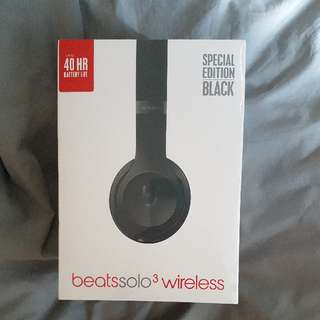 matte black beats solo wireless headphones