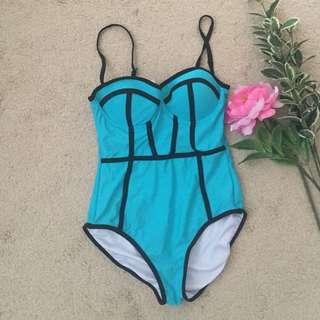 Fiesta One Piece City Beach bathers size 8