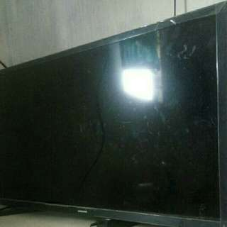 Tv Samsung 32 Inch Masih 6 Bln Pke Jual Btuh Kardus Buku Masih Ada...081288936568