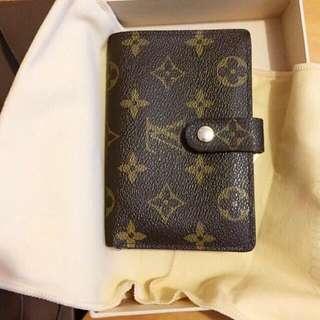 Louis Vuitton 銀包喺法國專門店買