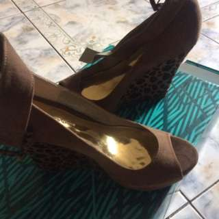 Gibi Wedge shoes