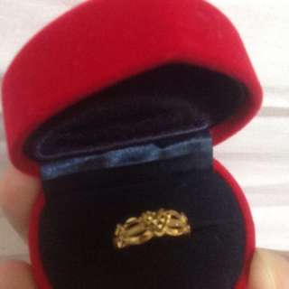 916 Gold Ring 1.67gm size 8