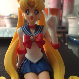 Med. scale Sailor moon figure