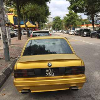 hi.. bmw e30 1986 for sale.. rm15000