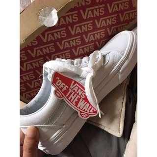 Vans全白基本款鞋