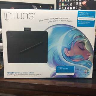 BRAND NEW Wacom Intuos Art tablet and pen