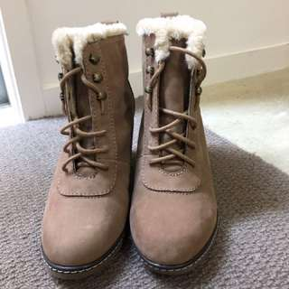 Hannahs Winter Boots