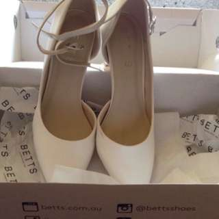 Betts 👠 shoes