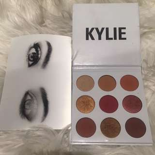 Authentic Kylie Burgundy palette