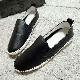 黑色休閒鞋 24.5