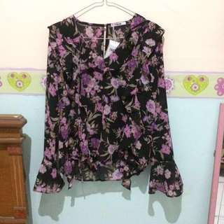 T-shirt black flower