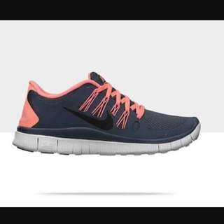 ‼️Selling Low: Authentic Nike Free Run Peach gray