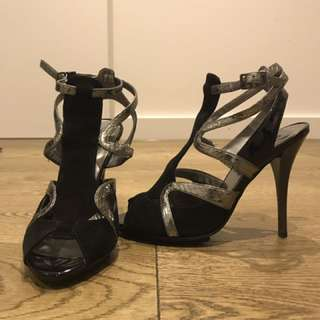 Guess scrappy heels size 5